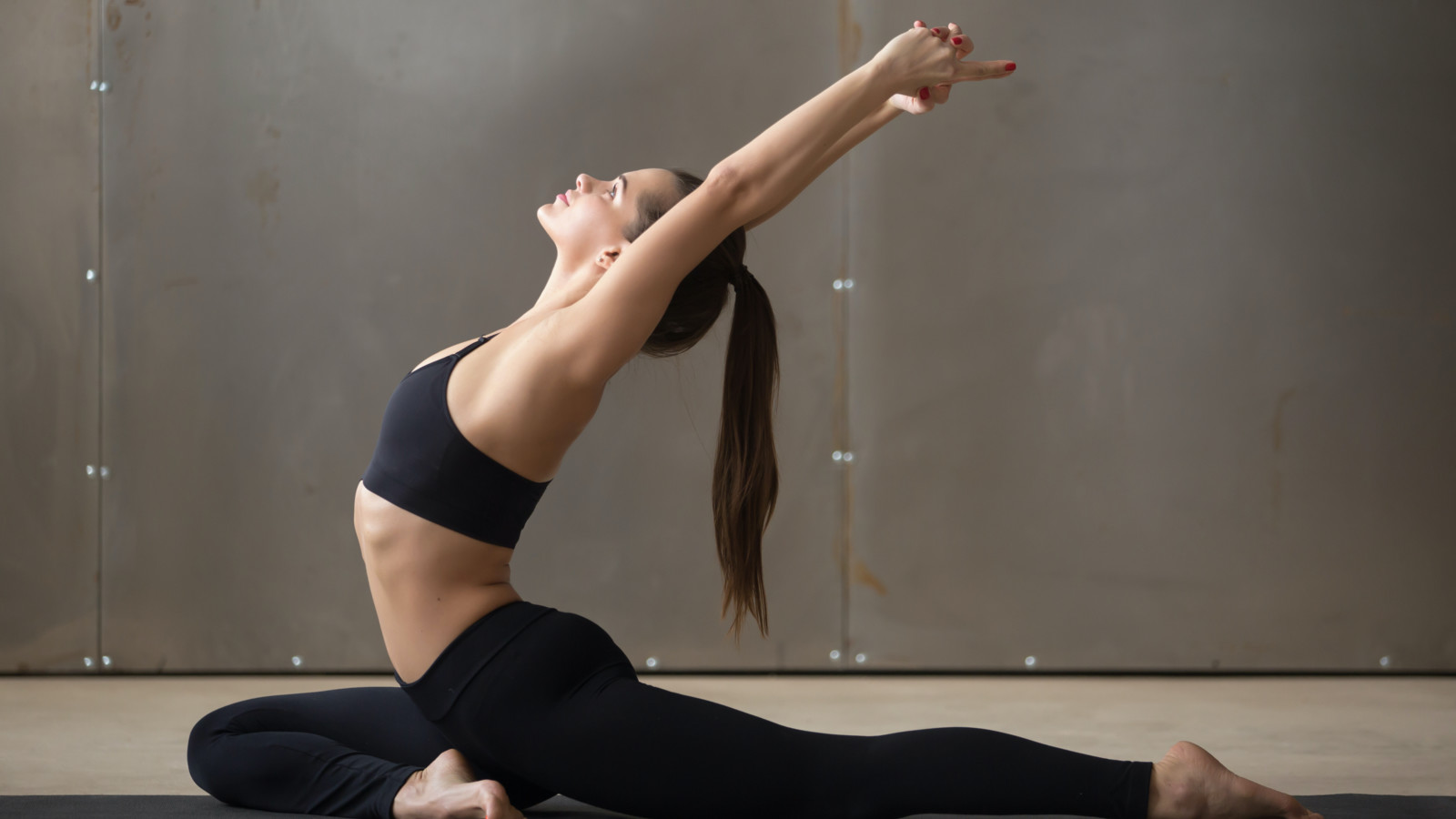How to Do Pigeon Pose   STRETCHIT – Stretching Videos